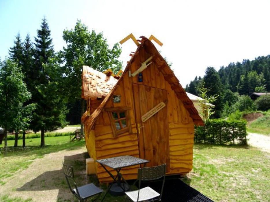 cabane magique 2 places avec sanitaires nos produits. Black Bedroom Furniture Sets. Home Design Ideas