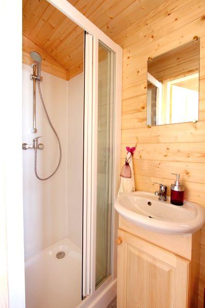 Salle de bains roulotte Férréole